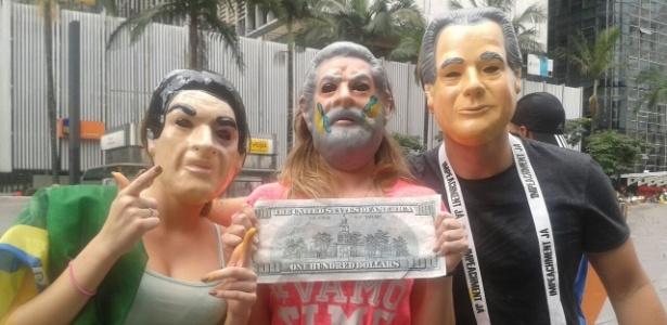 Em SP, manifestantes usam máscaras para ironizar PT; PM fala em 240 mil pessoas - Fabiana Maranhão/UOL