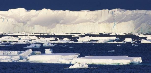 Derretimento de geleiras desacelera rotação da Terra, alertam cientistas - AFP