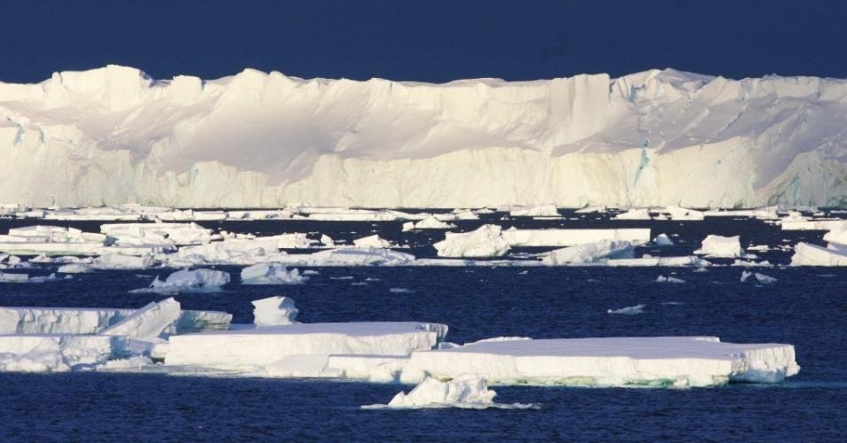 Derretimento de geleiras desacelera rotação da Terra, alertam cientistas