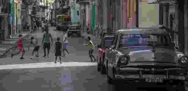 """Cuba antes e depois do livro brasileiro """"A Ilha"""" - Marlene Bergamo/Folhapress - Marlene Bergamo/Folhapress"""