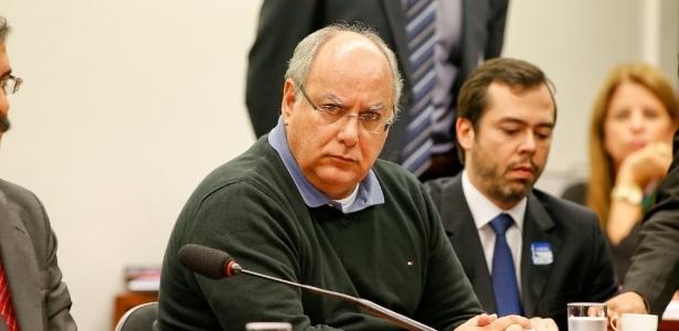 19.mar.2015 - O ex-diretor da Petrobras Renato Duque, acusado de receber propina no esquema de corrupção da estatal, presta depoimento à CPI da Petrobras na Câmara