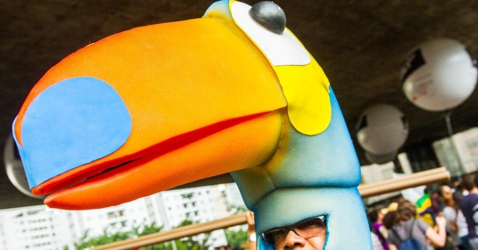 20.mar.2015 - Professores da rede estadual de São Paulo fazem nova assembleia nesta sexta para decidir se permanecem ou não em greve. Eles querem 75,33% de aumento salarial, reabertura de salas fechadas, contratação dos professores temporários, convocação de concursos, entre outras reivindicações