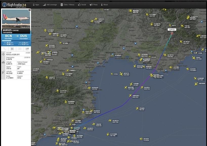 24.mar.2015 - Trajeto do voo 4U9525, da Germanwings, que caiu nesta terça-feira (24) nos Alpes franceses; voo, que ia de Barcelona a Dusseldorf, tinha 148 pessoas a bordo