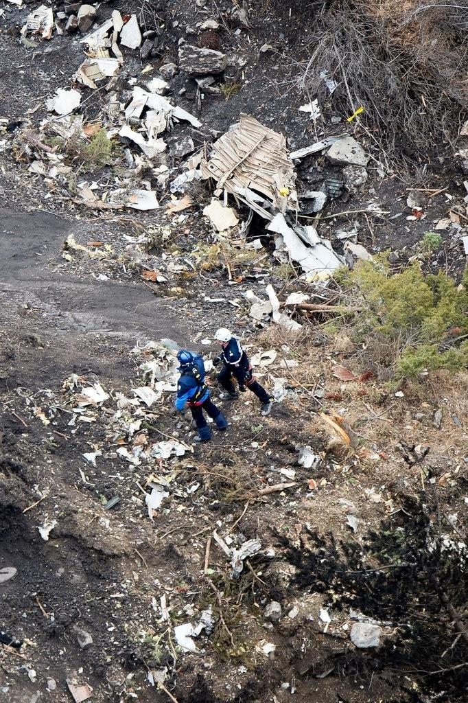 25.mar.2015 - As autoridades consideram baixas as probabilidades de que algum dos ocupantes seja encontrado com vida. O ministro do Interior da França, Bernard Cazeneuve, disse que