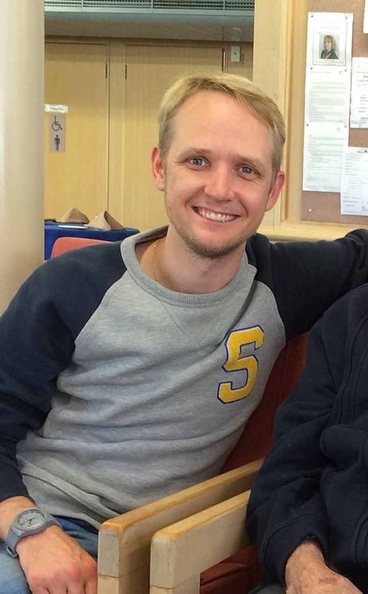 25.mar.2015 - O australiano Greig Friday, 29, que completaria 30 anos em abril próximo, estava viajando pela Europa com sua mãe, Carol Friday. No segundo semestre, ele começaria a ensinar inglês na Europa