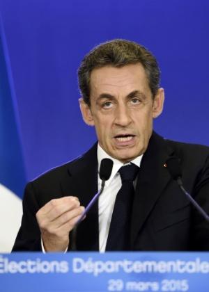 29.mar.2015 - Ex-presidente francês Nicolas Sarkozy discursa após eleições locais