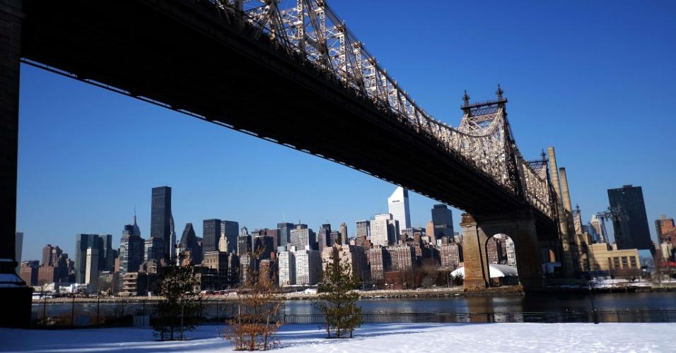1.abr.2015 - A ponte do Queens, em Nova York (EUA)