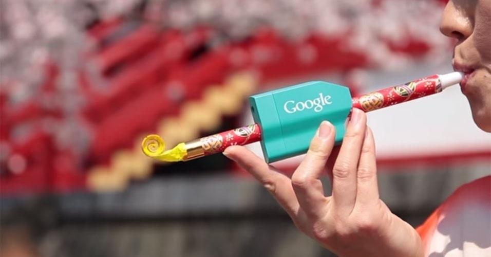 2015 - O Google Japão exibiu um aparelho estranho para o Dia da Mentira. Ele consiste em uma espécie de língua de sogra que é conectada via Bluetooth a um smartphone. Segundo a pegadinha, ele envia sinais ao smartphone, que reconhece e digita o que o usuário-assoprador quer dizer
