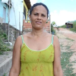 Maria Eliane, 35, mora em Messias (a 48 km de Maceió), em Alagoas, tem três filhos e acredita que, nos dias de hoje, é muito - Beto Macário/UOL