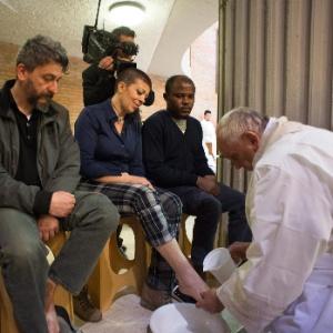 No ano passado, o papa Francisco lavou os pés de detentos de Rebibbia, em Roma