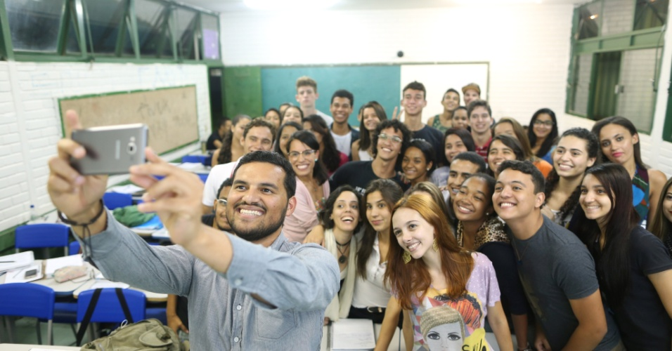 Projeto voluntário criado por ex-alunos da Universidade de Brasília, UnB, que se distina preparar alunos gratuitamente, que não podem pagar um cursinho regular para o vestibular no Distrito Federal, em Brasília.