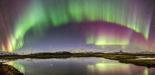 Aurora boreal captada próximo à lagoa do glacier Jökulsárlón, no sul da Islândia  - Carlos Gauna