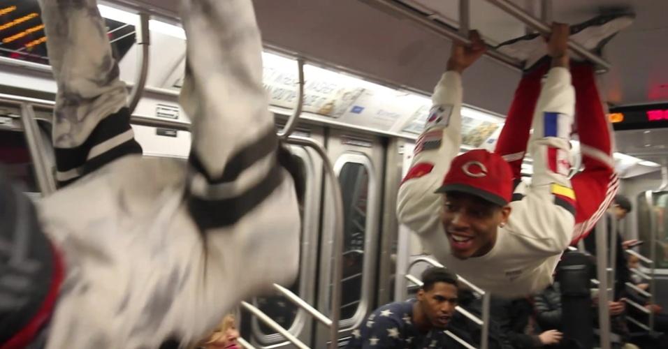 Dançarinos desafiam polícia para ganhar até US$ 150 por dia no metrô de Nova York