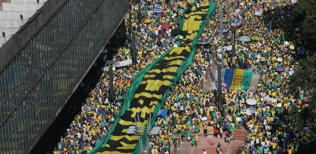 16h30: protestos contra Dilma reuniram cerca de 450 mil em todo o país - Jorge Araújo/Folhapress