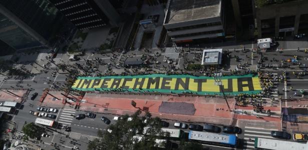 Manifestação pede impeachment de Dilma na avenida Paulista, em São Paulo