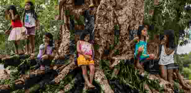 17.abr.2015 - Crianças do povo Munduruku - Fábio Nascimento/Greenpeace