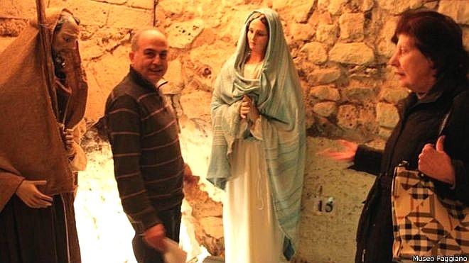 17.abr.2015 - Família italiana descobre tesouro arqueológico durante reforma de banheiro