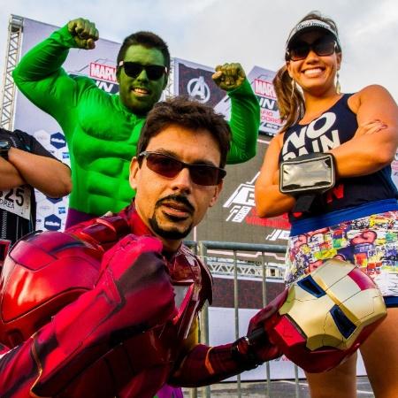 26.abr.2015 - Atletas e fãs participam da Marvel Run - Dario Oliveira/Código 19/Estadão Conteúdo