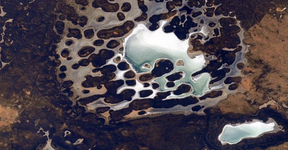 """26.abr.2015 - """"Algumas vezes a Terra parece outro planeta vista da ISS"""", comenta em sua conta no Twitter o astronauta Scott Kelly, tripulante da ISS (Estação Espacial Internacional)"""