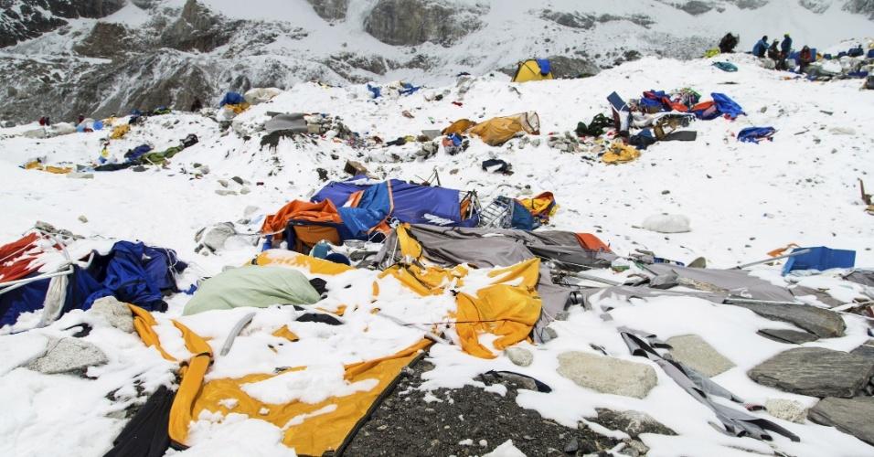 Resultado de imagem para Terremoto de 2015 derrubou um dos pontos mais famosos do Everest