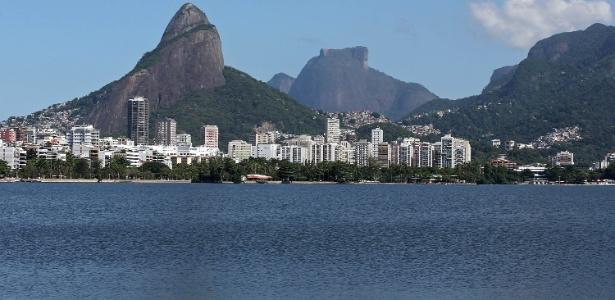A Lagoa Rodrigo de Freitas, na zona sul carioca, é um dos cartões postais da cidade