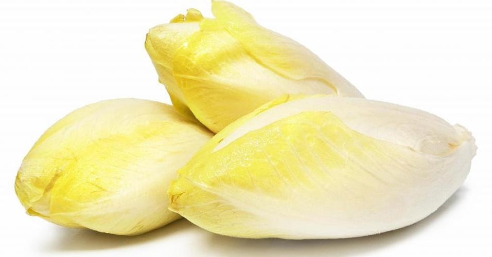 A endívia é a 13ª da lista dos vegetais mais nutritivos, elaborada por pesquisadores da Universidade William Paterson , em Nova Jersey (EUA). Os alimentos foram classificados pelo seu teor de fibra, potássio, proteínas, cálcio, ácido fólico, vitamina B12, vitamina A, vitamina D e outros nutrientes
