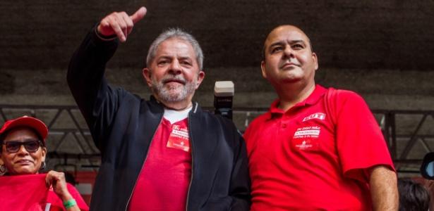 O ex-presidente Lula e Vagner Freitas, da CUT, durante evento do 1º de Maio em 2015