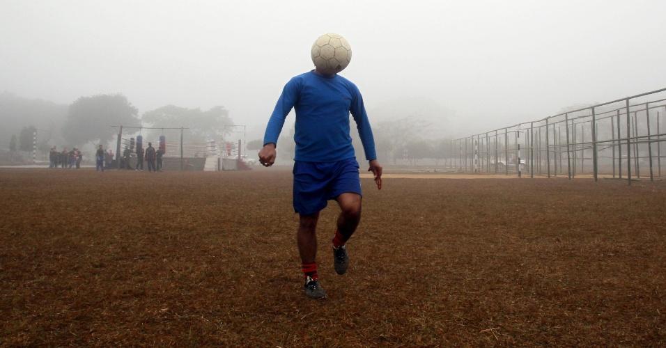 1.mai.2015 - Trocaram a cabeça do jogador em Agartala, capital do Estado de Tripura, na Índia