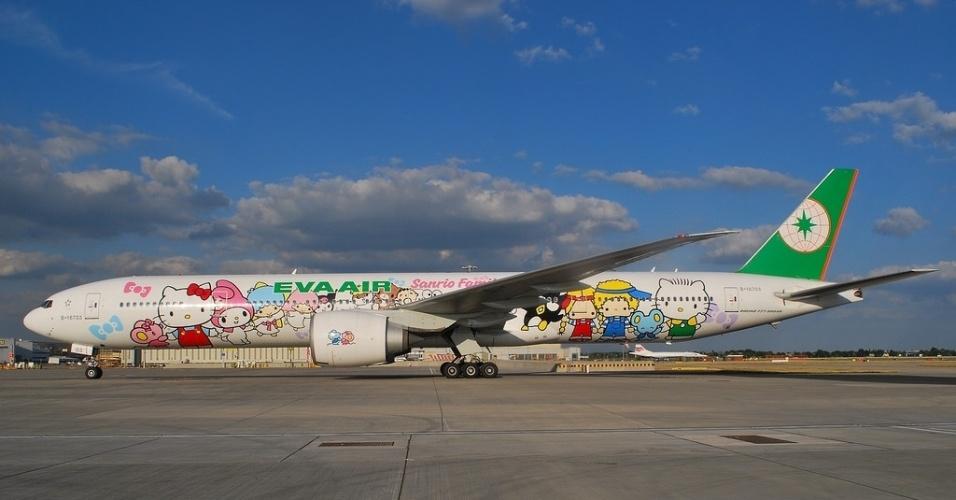 Aviões da Hello Kitty, da companhia aérea EVA, fazem voos regionais para a Ásia e de longa distância para os EUA