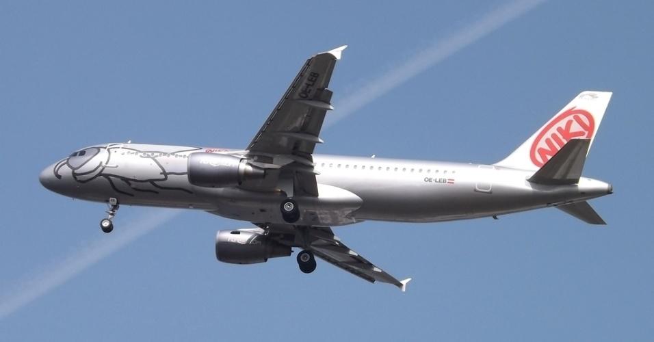 O Airbus A320 da companhia aérea austríaca Niki Air foi transformado em uma mosca