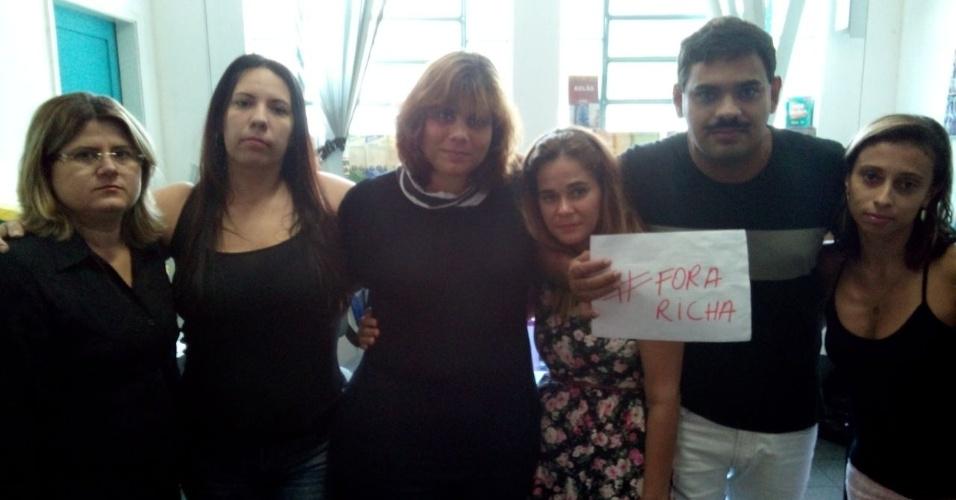 Professores da Escola Municipal Alba Canizares do Nascimento, no Rio de Janeiro (RJ)