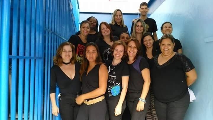 Professores da Escola Municipal Carlos Drummond de Andrade, em Ipatinga (MG)
