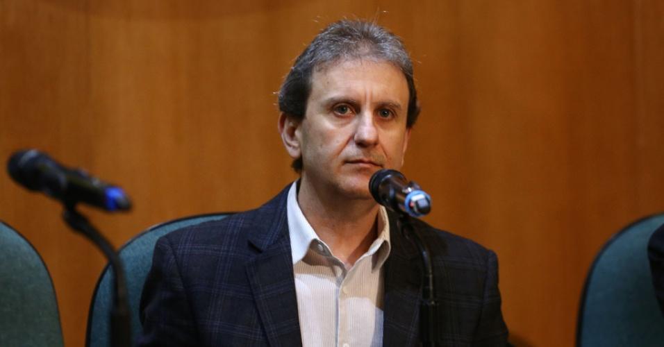 11.mai.2015 - O doleiro Alberto Youssef presta depoimento na CPI (Comissão Parlamentar de Inquérito) da Petrobras na Justiça Federal em Curitiba, no Paraná