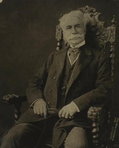 De 1878 a 1888, Joaquim Nabuco foi o principal representante parlamentar dos abolicionistas. Excelente orador e polemista, escreveu vários libelos antiescravistas e buscou apoio na Europa para o movimento, transformando-se num de seus símbolos - e no alvo predileto do ódio dos escravocratas
