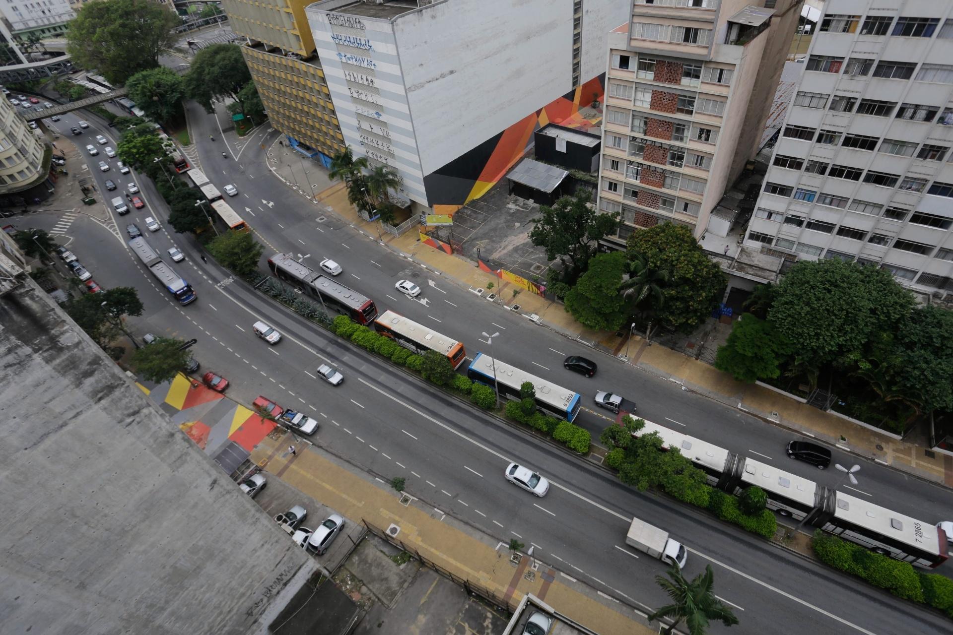 Protesto fecha todos os terminais de ônibus de SP; envie