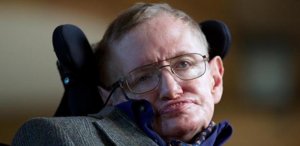 Hawking afirmou que humanos estão criando 'novas formas de as coisas darem errado'