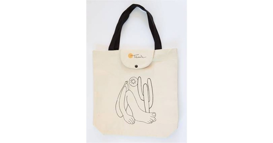 A sacola de lona dobrável com a estampa do Abaporu, de Tarcila do Amaral, é vendida por R$ 39,90 na Livraria Cultura.