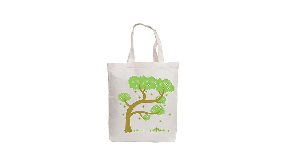 Sacola ecológica ?Basic Árvore? feita de algodão cru, suporta até 10 quilos. À venda por R$ 15 na Pense Eco.