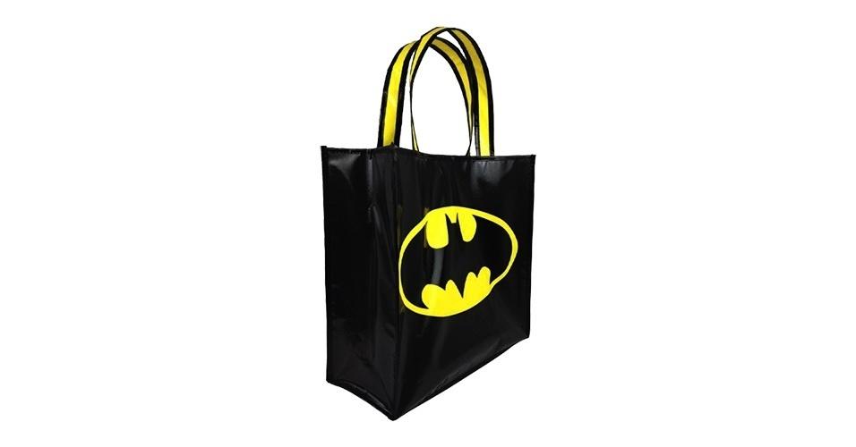 Sacola retornável do Batman, fabricada pela DC Comics, à venda na Mundo Geek por R$ 39,90.