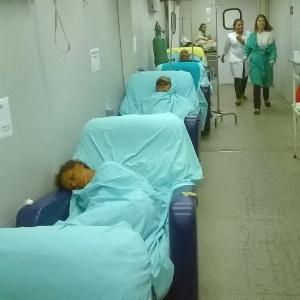 Há quatro anos, o atendimento no setor de emergência Hospital Geral de Bonsucesso, na zona norte, se dá em contêineres instalados no pátio