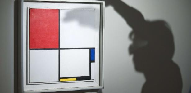 """A obra de Mondrian """"Composição No. III, com vermelho, azul, amarelo e preto"""" - Justin Tallis/AFP Photo"""