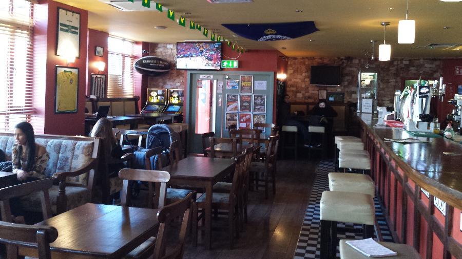 Restaurantes, pubs e outros bares na Irlanda poderão abrir sua parte interna para receber clientes que já tenham sido vacinados - Flávio Carneiro/UOL