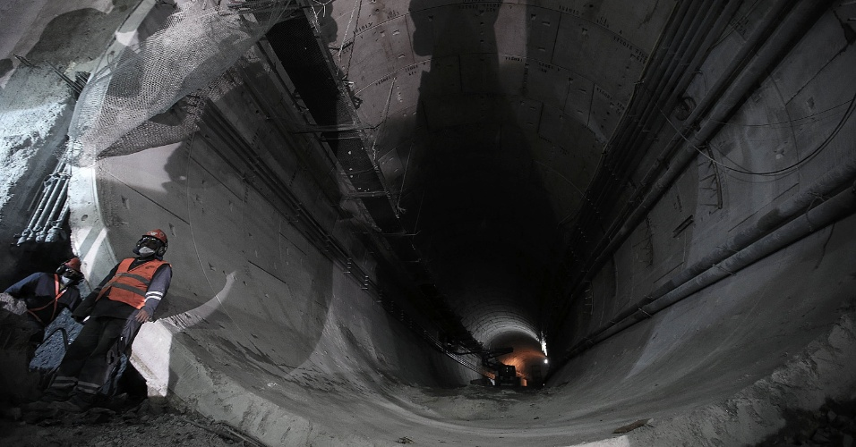 15.mai.2015 - Túnel que liga as estações Nossa Senhora da Paz e General Osório, da Linha 4 do Metrô do Rio de Janeiro, ambas em Ipanema, na zona sul da cidade, está em fase final de obras