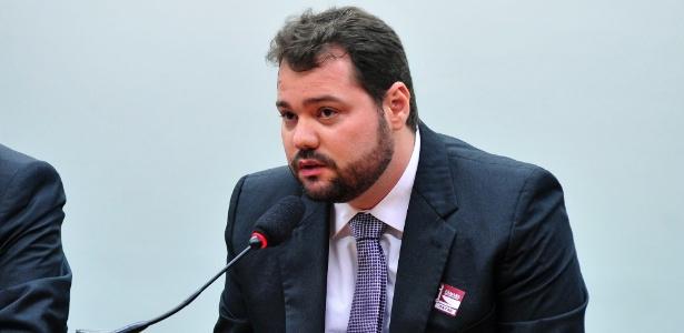 O ex-diretor financeiro da empreiteira OAS, Mateus Coutinho de Sá Oliveira, ao depor na CPI da Petrobras - Alex Ferreira - 28.mai.2015/Câmara dos Deputados