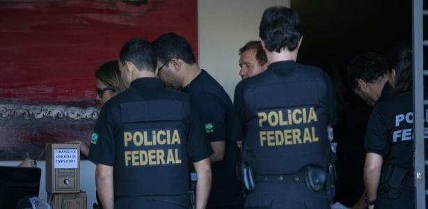 Polícia Federal cumpre mandado de busca e apreensão durante a Operação Acrônimo