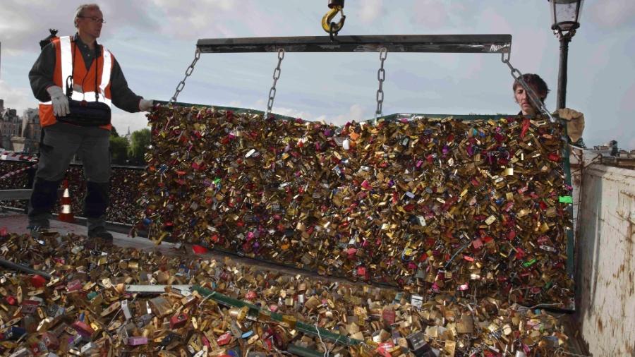 """Os famosos """"cadeados do amor"""" de Paris - Philippe Wojazer/Reuters"""