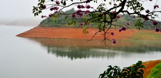 Nível dos reservatórios de SP cai; Cantareira fica estável pelo 3º dia - Nilton Cardin/Estadão Conteúdo