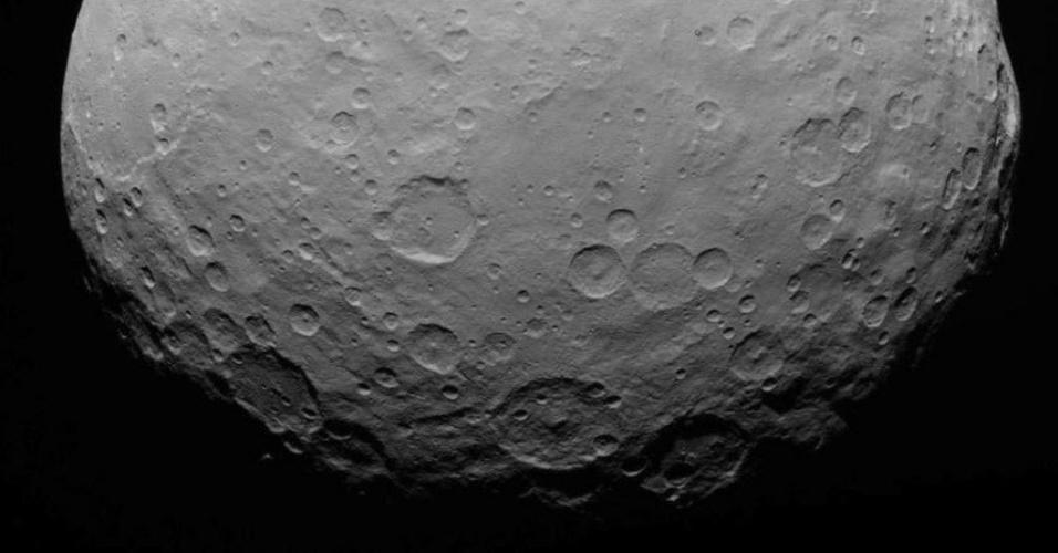 2.jun.2015 - Sonda da Nasa (agência espacial norte-americana) captura imagem em alta definição do planeta anão Ceres, localizado no cinturão de asteroides entre Marte e Júpiter, a uma distância de 13,6 mil km