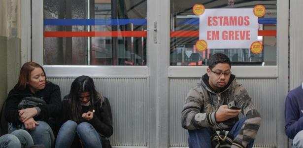 Mulher diz que perderá três dias de trabalho por causa de greve - Renato Mendes/Brazil Photo Press/Estadão Conteúdo