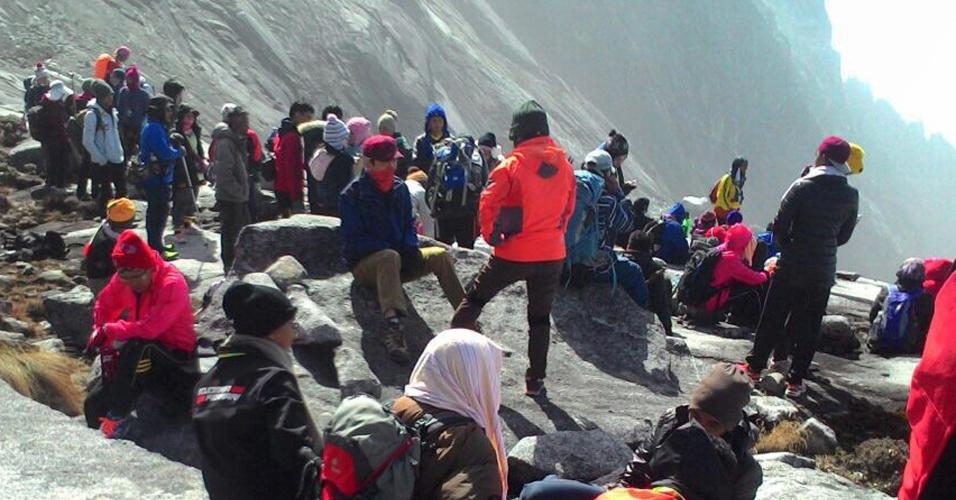 Mal sia resgata mais de 130 alpinistas isolados por for Que represente 500 mo